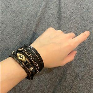 Express mixed seed turn lock bracelet